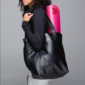Lululemon Mantra Black Gym Bag